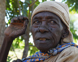 Mary Mwelu, 90, had not had a meal in two days when this picture was taken on 20 January 2009 due to a food crisis that has gripped Kenya Photo: Julius Mwelu/IRIN