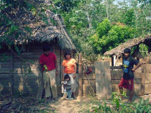 A Tsiman� family in front of their home in El Jatatal. Photo: Rafael Acu�a/IPS